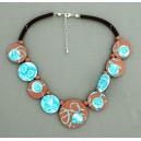 collier perles plates  fond marron moyen & pm turquoise