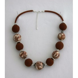 Collier perles boules Brune jeu de transparence, fleur brune