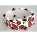 Bracelet perles plates Brune fond blanc fleur rose