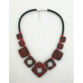 Collier perles structurés Ingrid rouge percé 9 perles